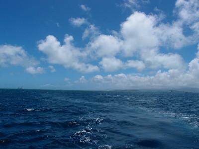 竹富島と小浜島の間